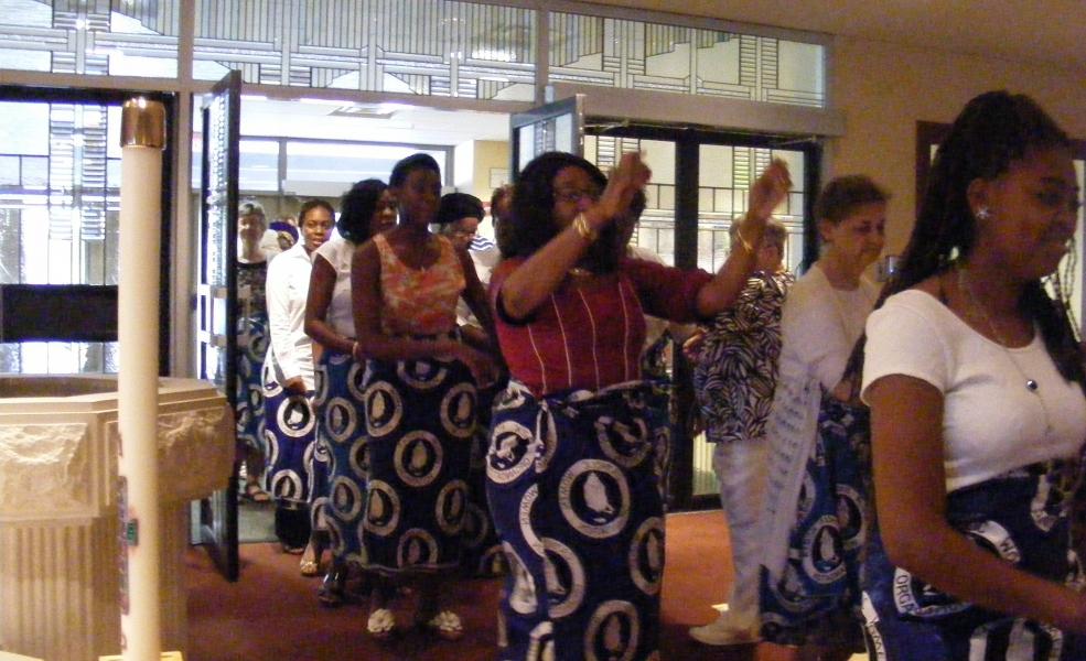 Entrance dancers 2